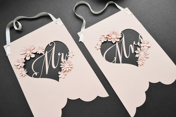 Beautiful 3d floral Mr and Mrs wedding signs custom
