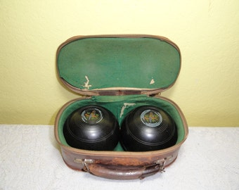Vintage Game Bocce Lawn Bowling Balls in Leather Case Henselite SABA