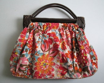 Wood handle floral tote BAG, handbag, purse.  Lovely Cotton Floral.  Made in India.