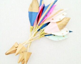 decorative arrow, wedding accessory, escort card, place card, button hole, wedding decor