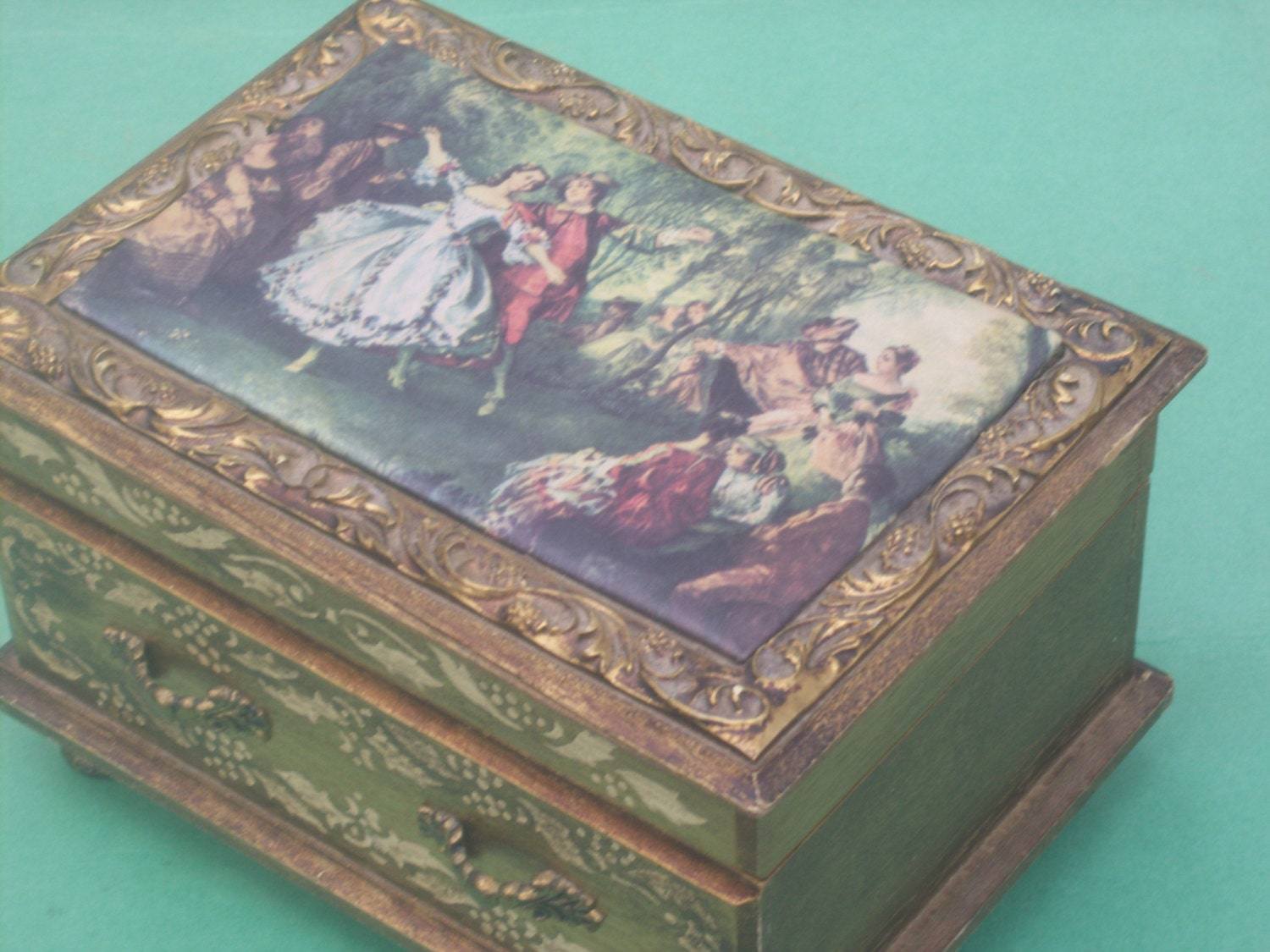 Victorian Detailed Jewelry Box With Cloth Top And Mirrored Lid