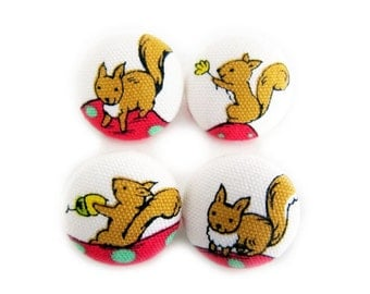 Sewing Buttons / Fabric Buttons - 4 Medium Fabric Buttons Set - Cute Squirrels