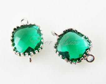 2 small emerald green square glass connectors, glass beads stones, jewelry / jewellery supplies 5055R-EM