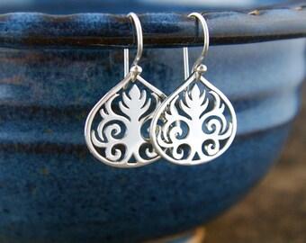 Scroll leaf pendant earrings in sterling silver, curls, sterling silver scroll, sterling silver earrings, tribal earrings, scrollwork