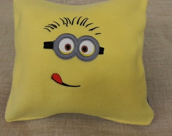 2 Eyed Minion Pillow Cover