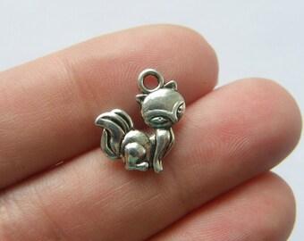 10 Fox charms tibetan silver A265