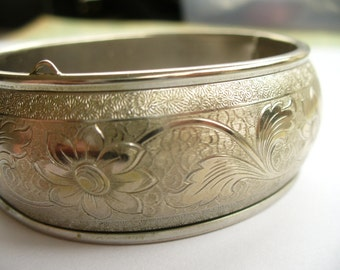 Vintage silver engraved bangle bracelet - hinged cuff - silver tone - unsigned - vintage costume jewelry