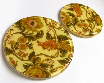 Pair of Lucite Trivets With Flower Pattern , Vintage Plastic Pot Holder