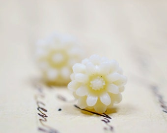 White Daisy Earrings,  Dahlia Blossoms Feminine  Jewelry, Romantic Posts Botanical Flower Jewelry