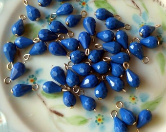 Vintage Beads Drops Dangles 8 Teardrop Blue Japan Charm Charms Faceted Lucite #543