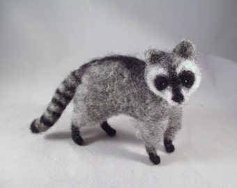 Needle Felted Raccoon, Needle Felted Animal, Felt Animals, Raccoon Art, Little Wool Pet, Woodland Animal Decor,  needle felt, Felted Animals