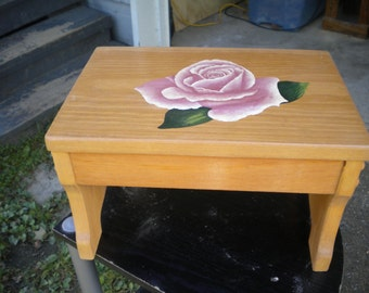 Step stool, wooden stool, acrylic painting, pink rose, hand painted, handcrafted, small bench, woodworking, seat, decorative stool, pine