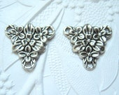 Antique silver plated floral triangular 3 ring connector stamping, lot of (2) - YR134