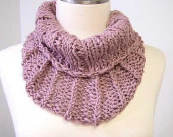 Chunky Knit Cotton Cowl Lavender, Hand Knit Pima Cotton Cowl, Lavender Knit Neckwarmer, Knit Circle Scarf Lily Purple, Spring Infinity Scarf