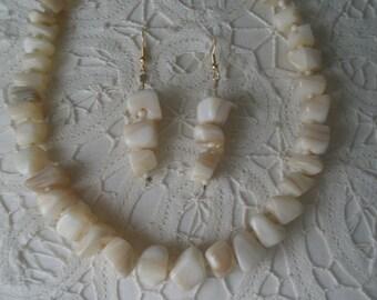 Vintage Cream Italian Onyx Stone Choker Necklace and Earring Set