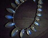 AAAA - Amazing - Ceylon Srilanka - Rainbow Moonstone - Smooth Marquise Briolett Blue Moon Flashy Fire  Clean size 4x8 - 7.5x15.5 mm - 21 pcs