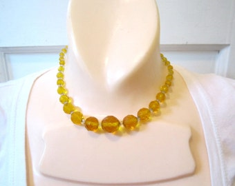 1920s Yellow Faceted Glass Beaded Necklace