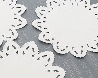 50 Star Lace Paper Doilies (6in)