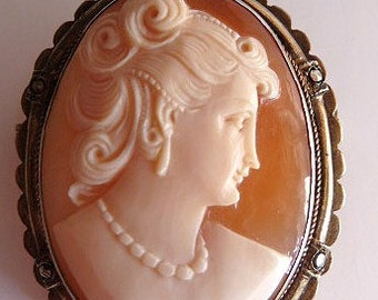 Vintage cameo brooch pendant | gilt sterling frame | shell cameo
