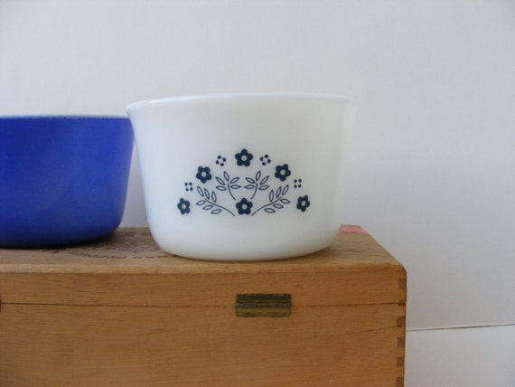 Vintage Pyrex Sugar Bowl Blueberry Summer Impressions