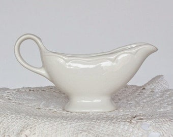Homer Laughlin Small Restaurant Creamer Gravy Boat