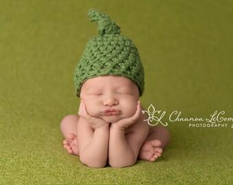Newborn Knot Hat in Sage Green