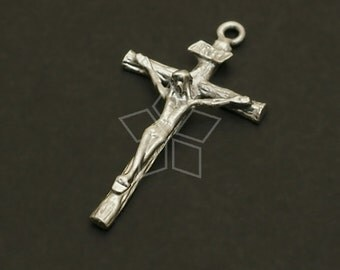 PD-664-MS / 2 Pcs - Crucifix Cross Pendant, Matte Silver Plated over Pewter / 26mm x 14mm