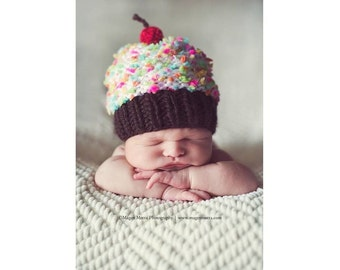 Baby Cupcake Hat, Knit Cupcake Beanie, Baby Hat, Baby Birthday Hat, Newborn Photo Prop, Newborn Photography Prop, Preemie - 5 Years