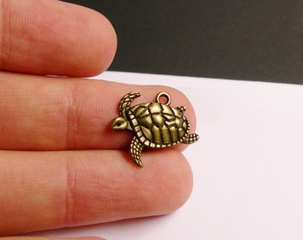 24 turtle charms - antique brass swinmming  turtle charms - hypoallergenic- 24 pcs - ZAB19