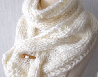 Chunky Scarf Handknit Cabled Big Cowl Thick Soft  in White Women Winter fashion