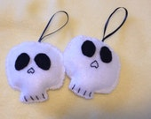 Set of 2 Skull Ornaments