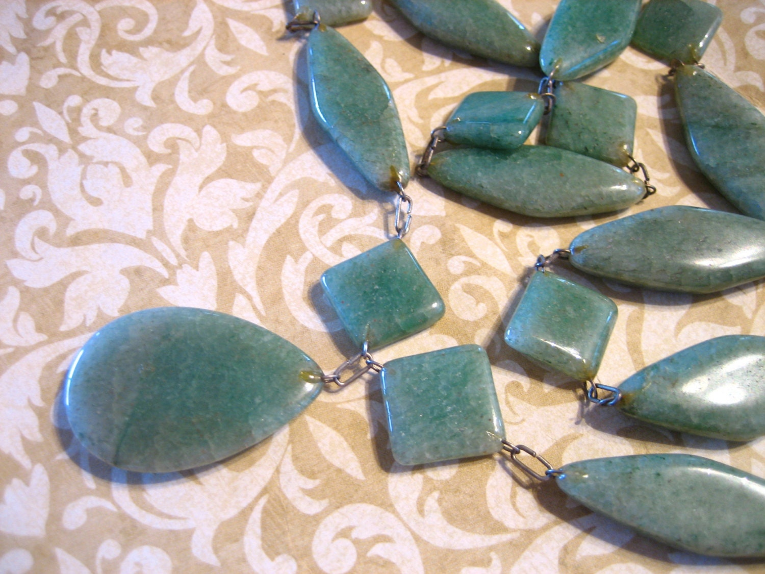 Green Onyx Stone : Vintage green onyx stone necklace
