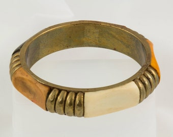 Bracelet 1980s, Jewelry Vintage, Brass arm cuff Inlays of Wood, brass and off white. Excellent condition Beautiful and Unique