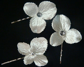 Ivory satin bridal flower hair pins with Swarovski Crystals / ivory hair flower set of 3