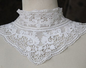 Cute venice applique  white color  front and back 1 pieces listing 32 inches long 6 1/2 inches wide at the center