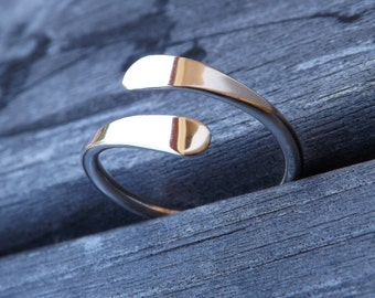 Sterling Silver Petal Ring, Hammered Ring, Modern Ring on Etsy.
