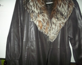 Ladies coat dressey with real fur callar