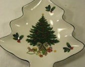 Vintage Mikasa CHRISTMAS TREE Heritage Story Porcelain Use for change soap for guests in bathroom Pin or Candy DISH