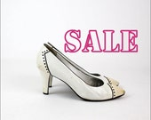 YSL white heels 6.5 | Yves Saint Laurent leather spectator snakeskin pumps