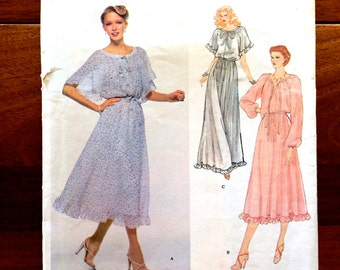 70s Vogue American 2125 Dress Loose and Flowy with Hem Ruffle and Wide Sleeves Albert Nipon Size 8 Bust 31