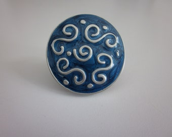 4 Vintage Pullware Portland cabinet knobs- Sqiggly sapphire blue round