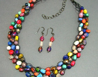 Adjustable Wire Crochet Necklace/Earring Set of Luster India Glass