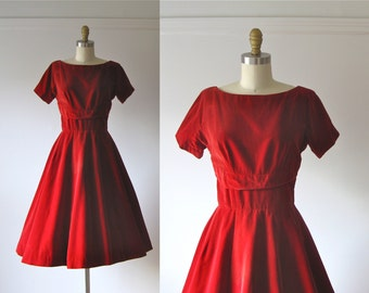 SALE vintage 1950s dress / 50s dress / Red Velvet Cupcake