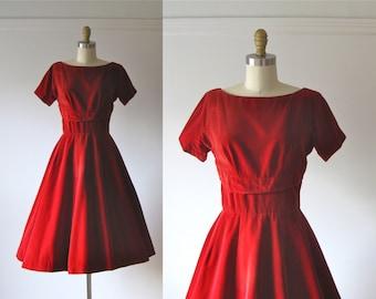 vintage 1950s dress / 50s dress / Red Velvet Cupcake