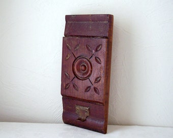 architectural salvage - carved wood trim molding - vintage woodwork - hanging key or coat hook