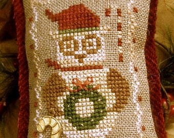 Owls Love Christmas Too Ornament~Cross Stitch Pattern