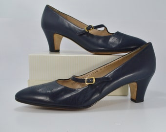 Vintage Ferragamo Shoes Size 9 Navy Blue Mary Jane Pumps Leather with Straps and Buckles Size 9 AAAA Narrow Nice Condition