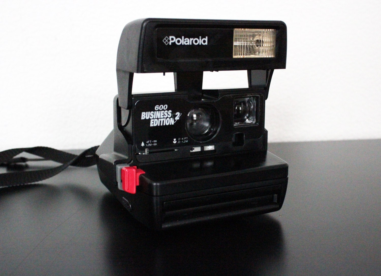 vintage polaroid 600 business edition 2 instant camera. Black Bedroom Furniture Sets. Home Design Ideas