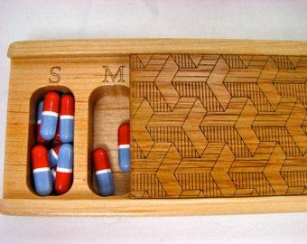 Discontinued Stock - REDUCED PRICE, Wooden Pill Box -------- V105, Medium Depth, Paul Szewc
