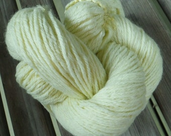 LIGHT WORSTED Weight Yarn - Lemons & Limes - Mary's Little Lamb by Farmhouse - 2.5 oz / 200 yards
